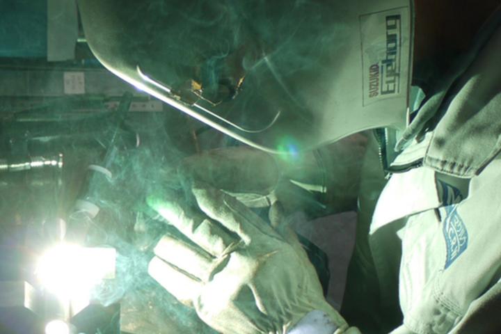 マグネシウム合金製のパイプ・棒を「変形」する技術
