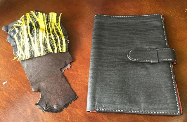 西陣織を転写した革を利用して手帳を制作。ストーリーがあります